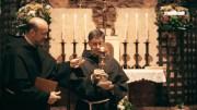 Błogosławieństwo relikwiami św. Franciszka przez nowego Generała Zakonu