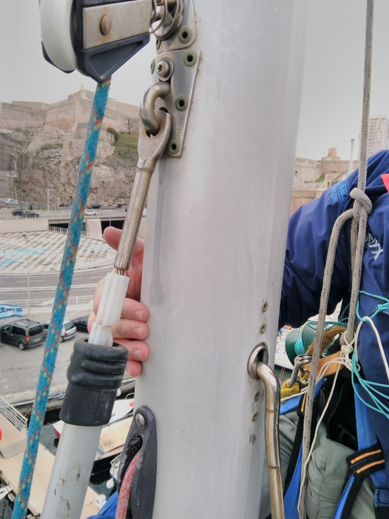 travail dans les mât