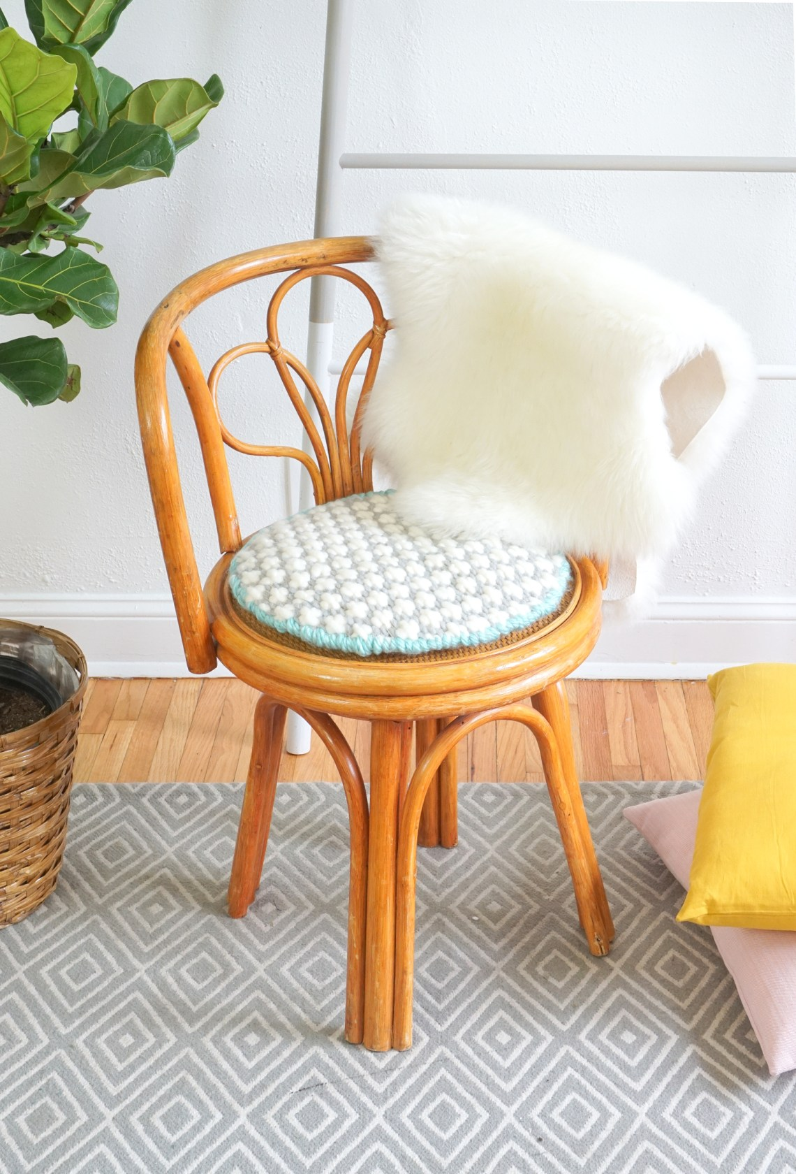 Stitch up a cross stitch cushion for your bare accent or dining chairs. Click through for more deets!