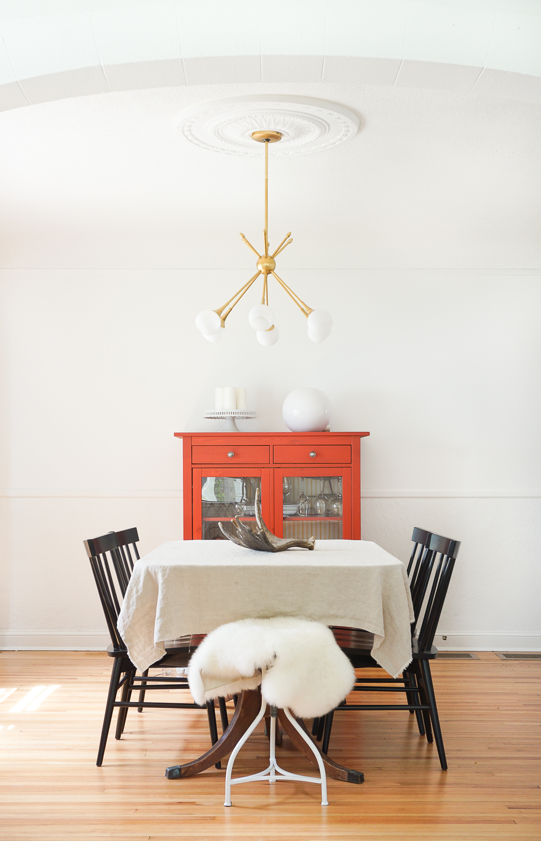 ... Use A Ceiling Medallion To Center Your Light Fixture Over The Dining  Table. Click To