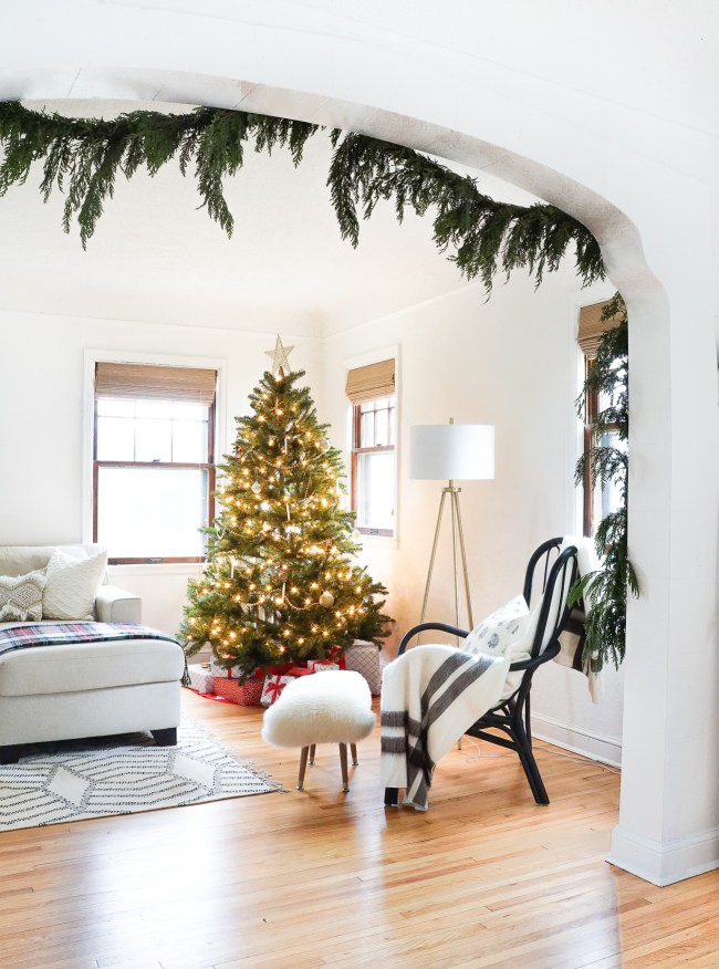 Check out my Holiday home tour, along with 12 others, as we decorate for the season!