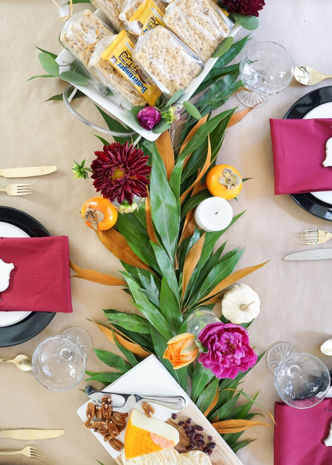 Throw down a festive and thoughtful Friendsgiving with our 3 key tips! Click for the full spread!