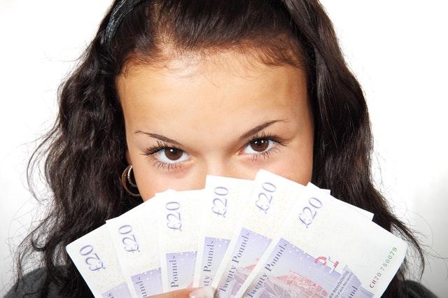 pagare in contanti