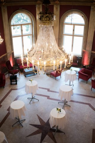 Volkstheater Rote Bar Francophil