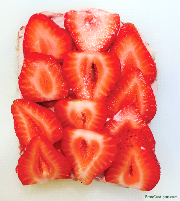 Vegan Strawberry Cream Sando