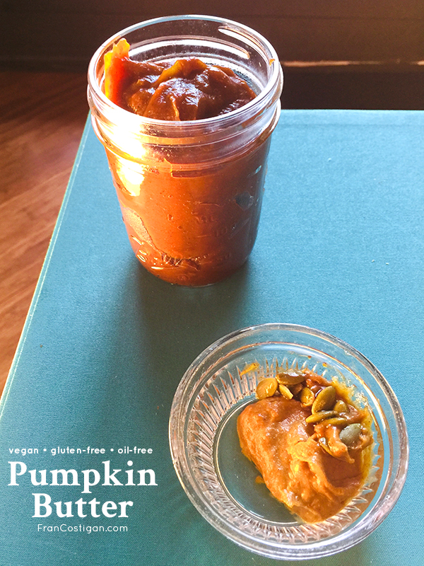 Serve this easy-to-make pumpkin butter with biscuits, breads, and muffins for a delicious breakfast treat, or use it as a frosting on a spice cake. It's vegan, gluten-free, and oil-free. #vegan #pumpkin #pumpkinbutter #pumpkinspice