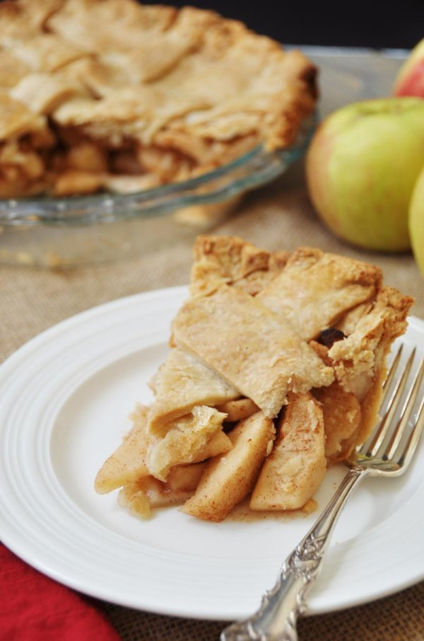 Apple Cinnamon Pie from Veganosity