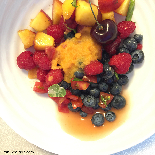 Fruit Salad after 40 minnutes with cantalope syrup