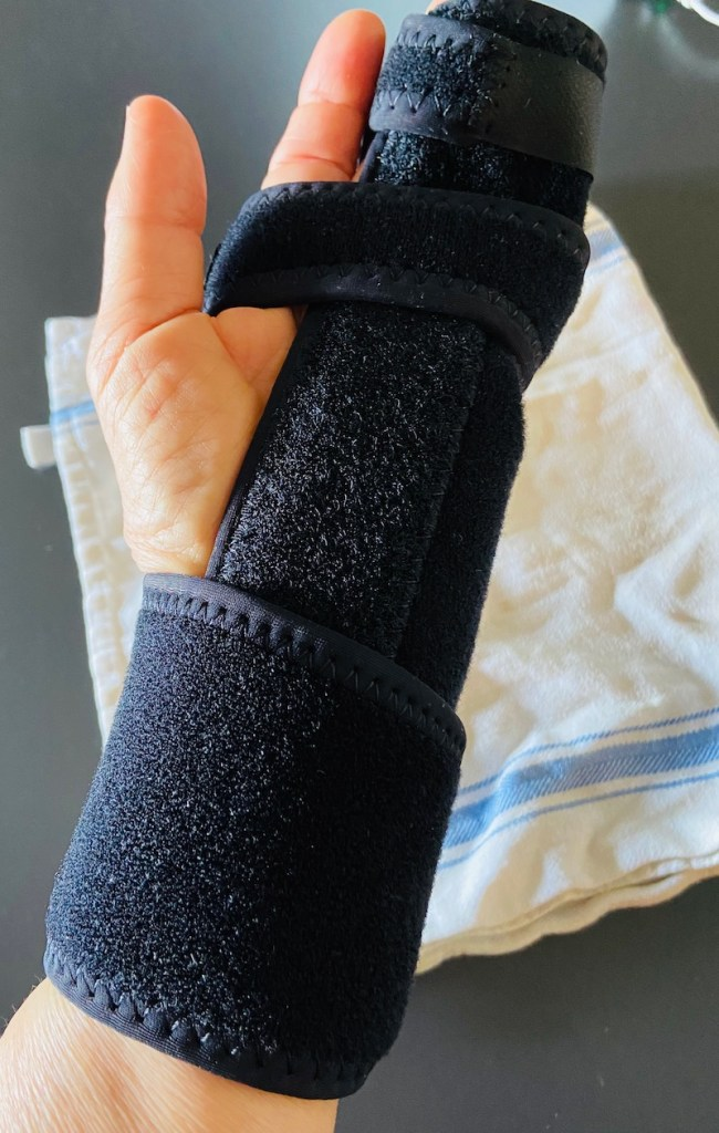 frans hand in a splint