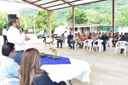 SRU-043-2018.-Gobierno del Estado coadyuva con productores para incrementar la producción de Aguacate (2)
