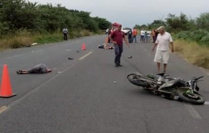 Avioneta Mata a Dos Motociclistas al Embestirlos Durante Aterrizaje de Emergencia en A