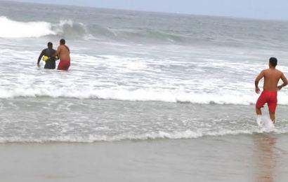 Muere ahogado en la playa La Pesca