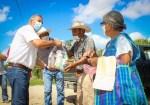 Lleva Mateo Vázquez Apoyos Alimenticios Casa por Casa a familias de la Temporalera