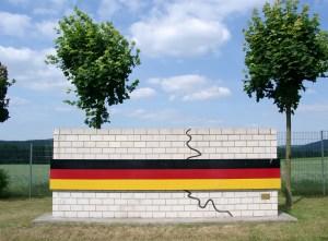 Foto: Denkmal zur Überwindung der Teilung Deutschlands