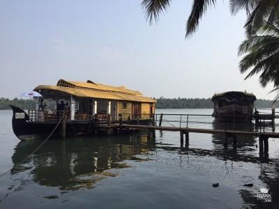 Embarcación por los backwaters de Kerala India