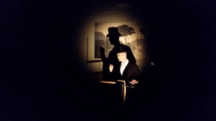 Dr. Miracle's last illusion - Side programming at the Royal Theatre with violinist Isobel Warmelink and Lorris Eichinger (photographer unknown)