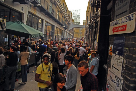 The Stoner's Guide to Brick Lane  (2/5)