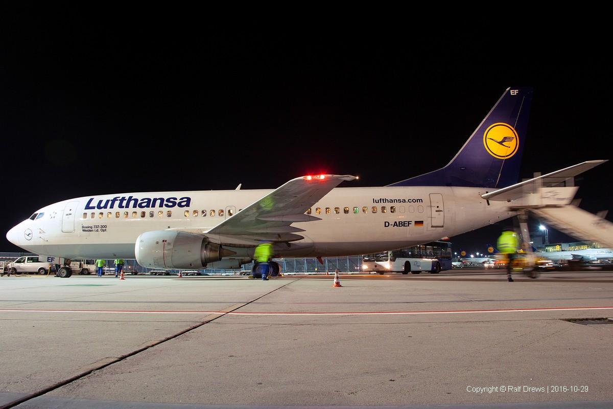 D-ABEF Lufthansa Boeing 737-330 (ln 2094)