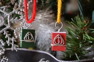 hp-deathly-hallows-ornament-ici-xmas