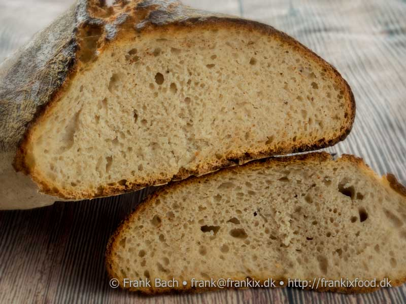 [:da]Brød bagt med enzymer - Tipo 00 og ølandshvede[:en]Bread baked with enzymes - Tipo 00 and Öland wheat[:]