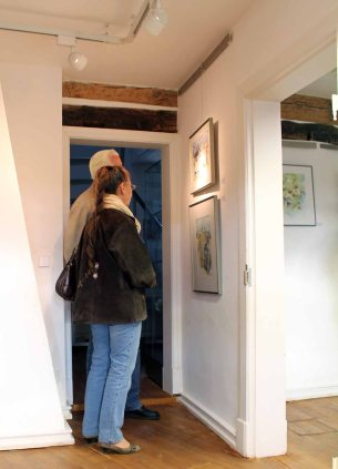 Interessierte Besucher in unserer Ausstellung im Krummen Haus Bützow (c) Frank Koebsch (2)