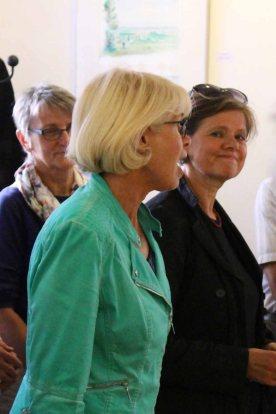 Oberbürgermeisterin Gramkow und Frau Schulz eröffnen die Ausstellung Faszination Aquarell 2015 (c) Frank Koebsch (1)