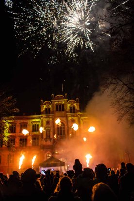 Pyrotechnik und Lasershow beim Rostocker Lichtfest (c) Frank Koebsch