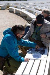 Ivan Prado unterichtet das Zeichnen von Karrikaturen beim Plein Air Festival Kühlungsborn (c) FRank Koebsch (2)