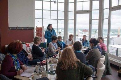Workshopteilnehmer Pastellmalerei mit Susanne Mull im Cafe Röngten (c) FRank Koebsch (2)
