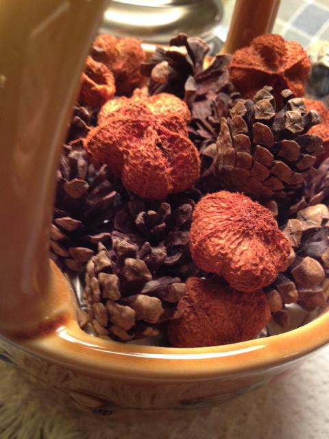 Autumn Potpourri in Ceramic Basket