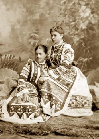 03 - Ольга і Антоніна Хоружинські