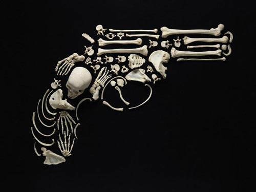 pisztoly csontokbol