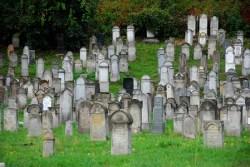 talaloskerdes Régi zsidó temetõ