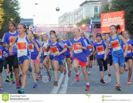 group-running-girls-blue-dresses-stockholm-sweden-aug-year-old-event-midnattsloppet-august-stockholm-58225975