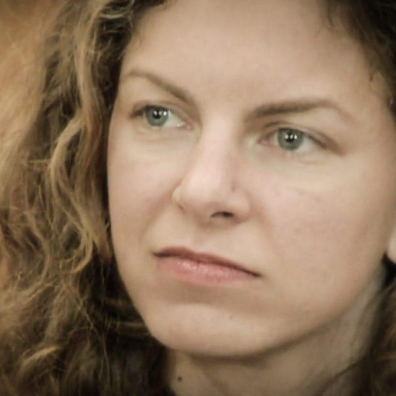 sara bronfman headshot photo