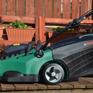 Lawnmowers & Trimmers