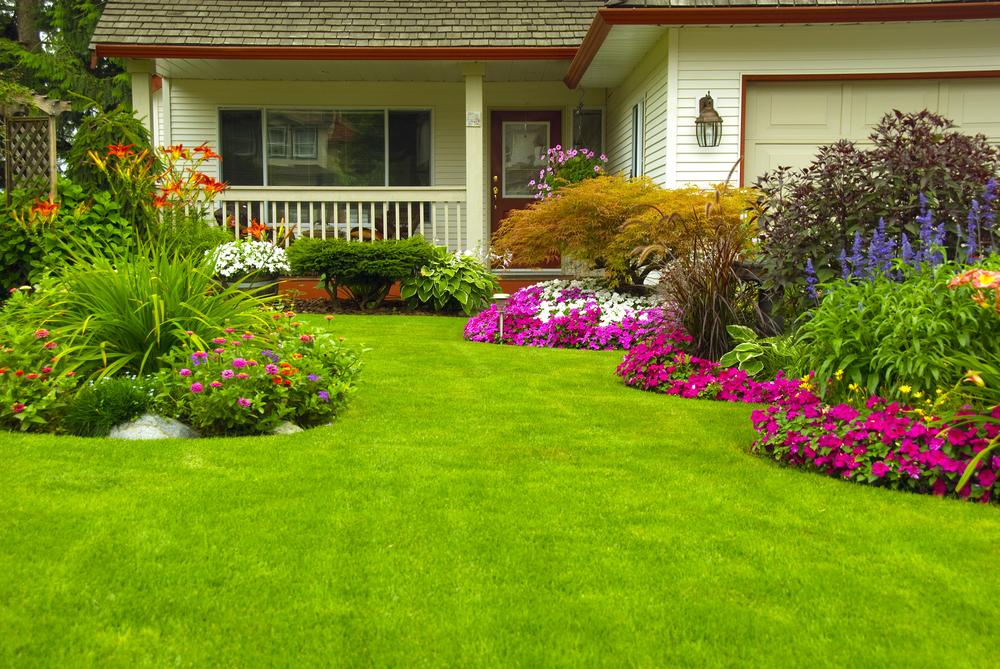 Beau 14 Apr Brighten Up Your Lawn This Spring With A Flower Garden!