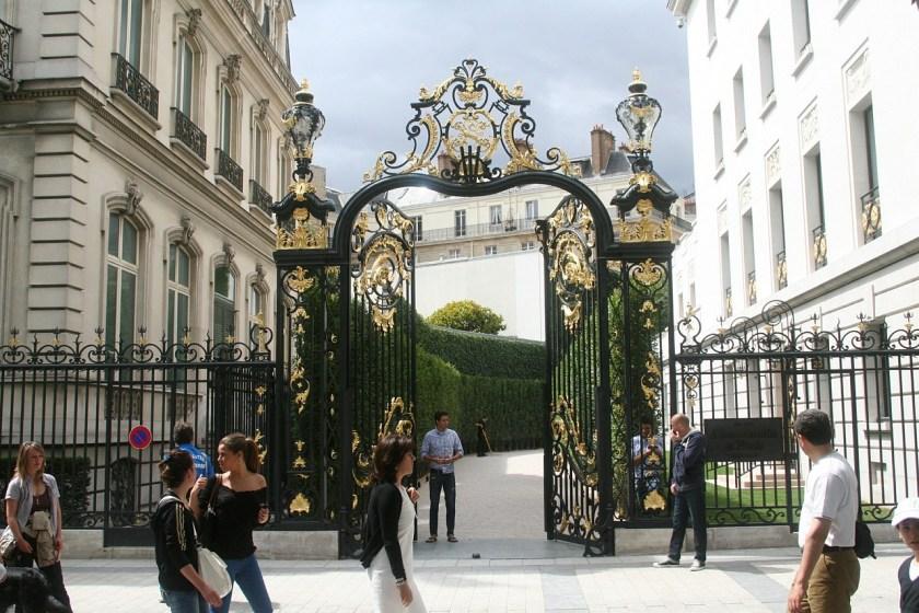 paris-437802_1280