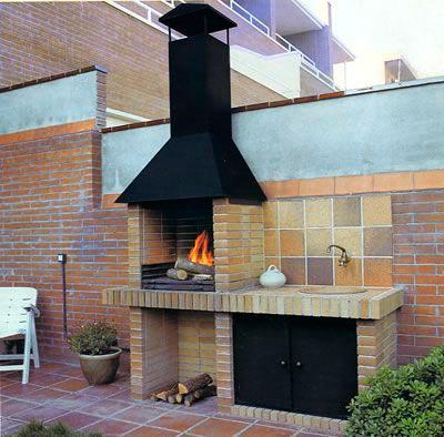 Contrucción de chimenea de ladrillos en Cáceres