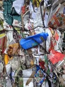 Como nuestra tienda a granel reduce los plásticos