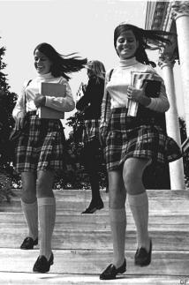 mini-1968-schoolgirls-usa