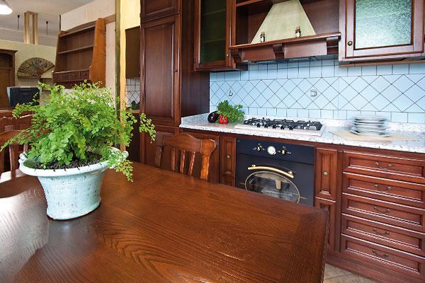cucina classica mobilificio Fratelli Saiu di Villacidro