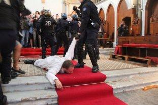 Paris, 3 de agosto de 2016 - desocupação da Igreja de Santa Rita.