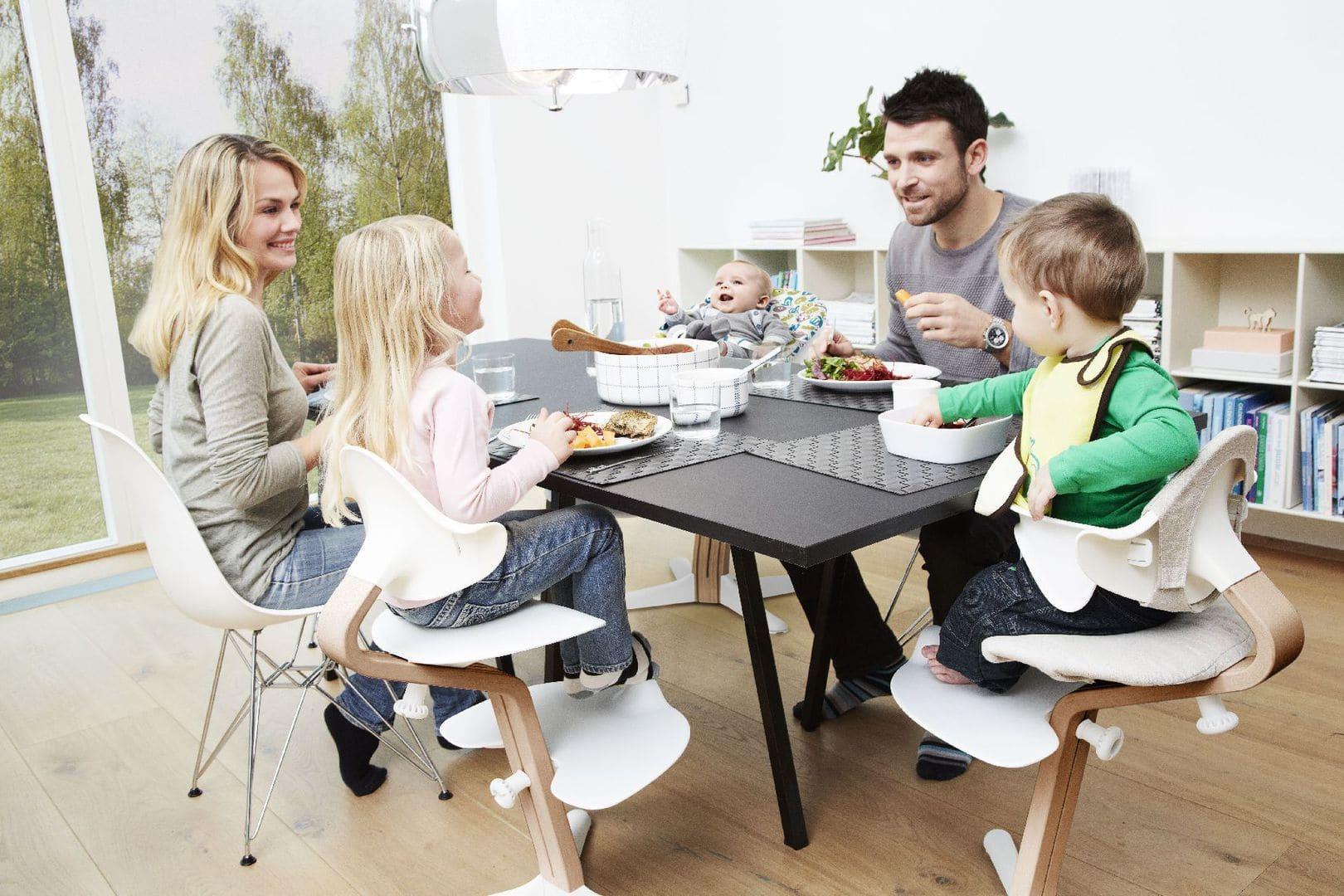 nomi hochstuhl vom erfinder des tripp trapp. Black Bedroom Furniture Sets. Home Design Ideas
