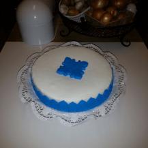 Ornamenttorte blau weiß