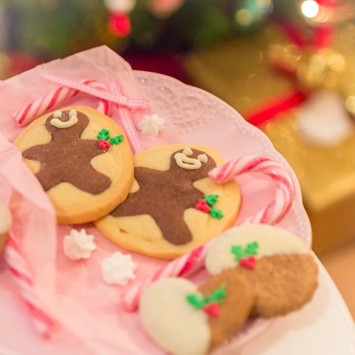 Schwarz-Weiß Gebäck, Kekse, Plätzchen, Weihnachtsplätzchen, Lebkuchenplätzchen
