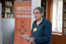 Brigitte Jaschke liest den Impuls der Andacht. Foto: Kathrin Erbe