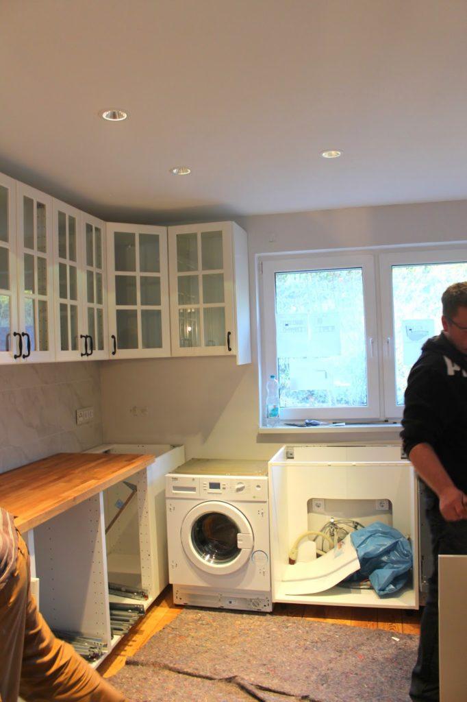 Die Küche kommt! - Hausbau mit Hindernissen -