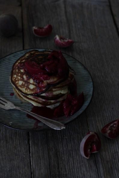 frauv_Pancakes mit Weinbergpfirsichen_img_0669