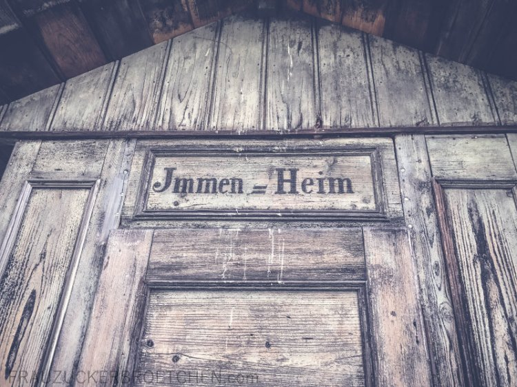 freilichtmuseum_beuren_bienenhaus_köngen2_frauzuckerbroetchen.jpg